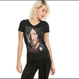 "THE WALKING DEAD ""HIDE BEHIND DARYL"" T-SHIRT"